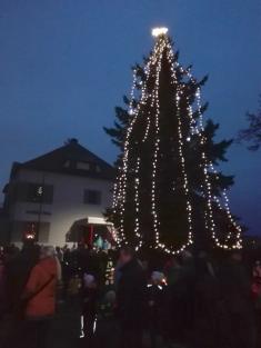 Rozsvěcení vánočního stromu u MŠ na ul. Ke Splavu